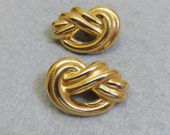 Vintage Trifari Golden Metal Knot Clip On Earrings