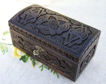 Jewelry box Wooden box Lock wood box Ring box Carved wedding ring jewellery box Wood carving Medieval jewelry wooden boxes Wedding gift B51