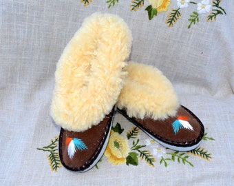 Fur warm Leather scuff slippers SIZE 7 gifts sheepskin slippers gifts womens slippers Leather moccasins Embroidered warm slippers