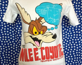 1980's Wile E Coyote t-shirt, fits like a small