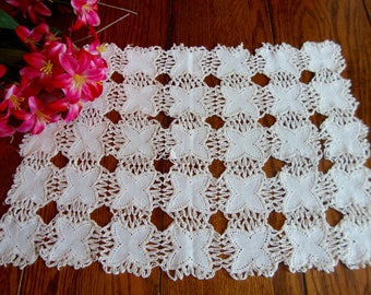 Crochet Tray Liner Linen Doily Place Mat Tray Cover Vintage Table Linens