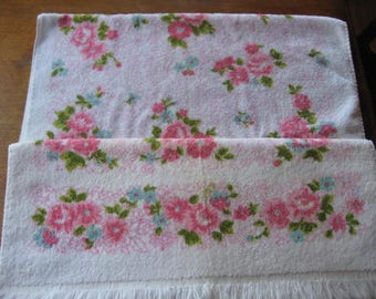 1 Pair Vintage JC Penney's Pink Floral Bath Towels
