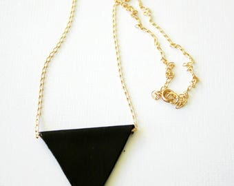 Geometrical leather necklace in black and gold, triangle, goldfilled chain