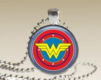 Wonder Woman Necklace DC Comics Wonder Woman Pendant N92
