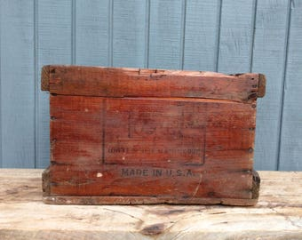 Wooden Crate - Rustic Crate - USMC United Shoe Machinery Corp Crate - Farmhouse - Cottage - Industrial Crate