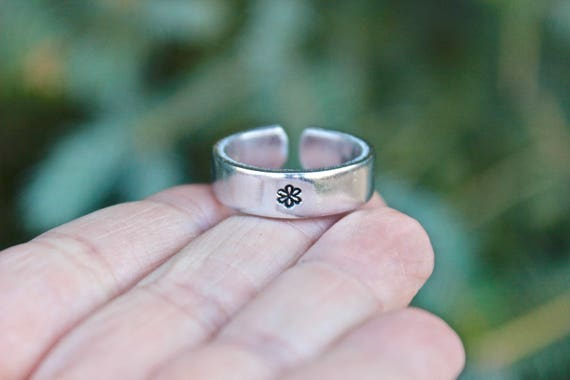 Flowers Mantra Ring