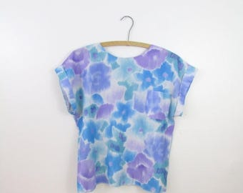 SALE Lana Lee Watercolor Crop Top - Vintage 1980s Boxy Floral Blouse w/ Buttons Down the Back in Medium