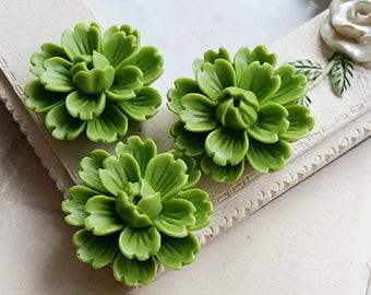 26 mm Green Tea Chrysanthemum Resin Flower Cabochons (.ng)(ZZB).