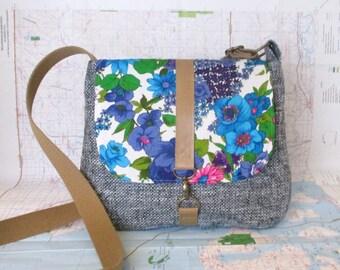 Boise- Crossbody messenger bag - Crossover - Vintage floral print - Adjustable strap - Vegan purse - Travel bag - Blue- Green- Ready to ship