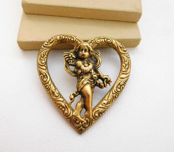 Vintage Large Antiqued Gold Tone Victorian Style Angel Heart Brooch Pin VV48