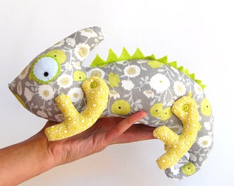 Push toy chameleon, stuffed animal, Iguana Plush, Lizard Stuffed, Green Chameleon, Tropical Decor, floral
