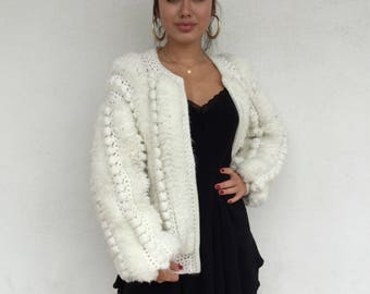 Comfy 80s white furry knitted zip up jacket