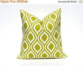 15% Off Sale Green throw pillow Throw pillow covers Decorative Pillows Accent Pillow Toss Pillow Couch Pillow  Sofa Pillow  Green Decorative