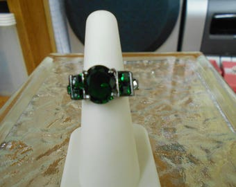 Beautiful Emerald Green Goth Style-Size 6-R704