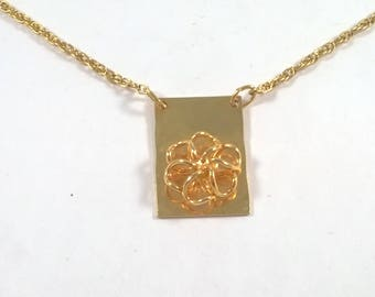 Vintage Rose Necklace Gold Tone  -  Flower Pendant - Fashion Jewelry 1980s