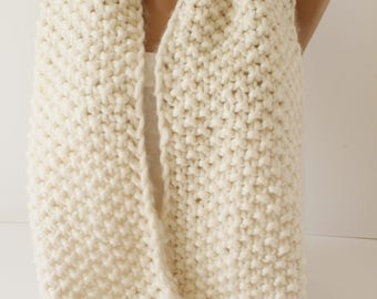 Knitted Scarf  Ivory Knitting Chunky Cozy Neckwarmer Infinity Scarf Loop Scarf Women Winter Scarf Christmas Gift  Fashion Women Accessories
