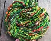 Green hand spun Art yarn, wool and alpaga, bulky green yarn, textured green yarn, Green and orange yarn,Made in Canada, 245g 71meter