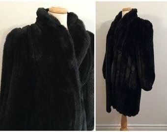 Vintage BLACK FAUX FUR Coat/size Medium