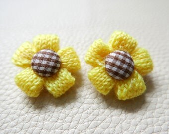 SALE!!!Set of 2 Brooches flowers