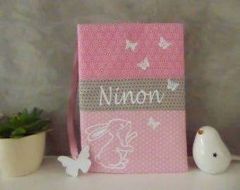 Protège carnet de santé personnalisable lapin, tissu rose et gris