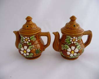 Teapot Salt And Pepper Shakers With Flowers And Fruit