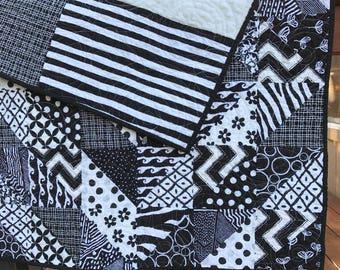 Developmental Baby Crib Quilt in black and white