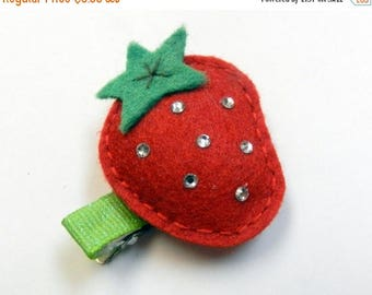 SUMMER SALE EVENT Strawberry Hair bow clip Girls hair clip Felt ,baby girl hair clip,hair bows for girls Ready to ship gift for girls