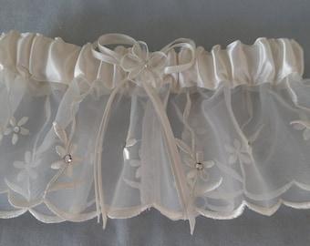 Wedding Garter Ivory