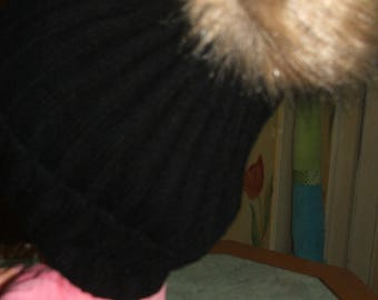 Black side 2/2 with pompon wool hat fur - for adults, teens or children - one size