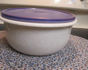 Large  Tupperware  Speckled Grey Mixing Bowl With Lid 1960,s