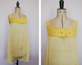 Vintage 1920s step in crochet yellow chemise - 1920s step in chemise - 20s teddy teddie - 1920s Envelope chemise - Vintage silk step in