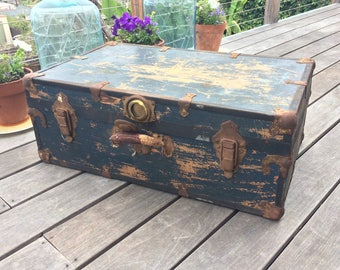 Vintage Steamer Trunk Coffee Table Rustic SteamPunk Chest Storage Trunk Primitive Chest Leather Handle Luggage Toy Trunk Vintage Storage