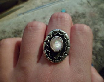 Authentic Navajo,Native American Southwestern sterling silver double band pink mother of pearl rainbow sunshine rays shadow box ring.Size 7.