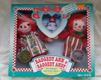 Raggedy Ann & Raggedy Andy The Original Doll with a Heart Anniversary Holiday Dolls