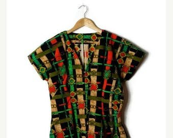 ON SALE Vintage Belts/Harnesses Printed Short Sleeve Zip up Blouse from 70's*