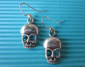 Silver Medium Tibetan Skull Earrings-/ Hallowen / Dia De Los Muertos / Earrings