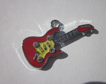 metal and rhinestones (L19) guitar charm