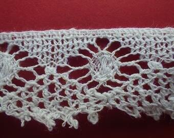 Vintage bobbin lace (VL43)