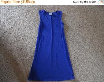 50% OFF Vintage dress Size 4 Acetate Rabbit designs dress 34 inch Bust 37 inch length