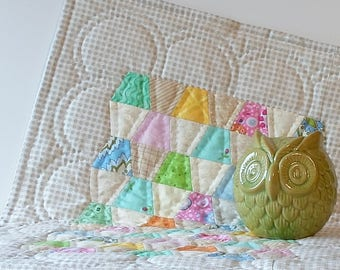 Handmade English Paper Pieced Tumbler Cotton Mini Quilt Table Topper Wall Hanging Shabby Chic