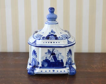 Vintage Delft Box