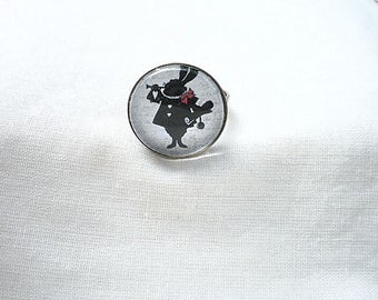 """Alice in Wonderland of"" rabbit cabochon ring"