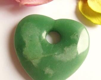 heart shape style green stone pendant