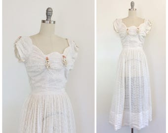 40s White Lace Wedding Dress / 1940s Vintage Gown / Small / Size 4