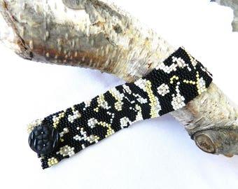 Daisy Bracelet Black White Pearl Cuff Beaded Bracelet Elegant Gift Peyote Sttiched Flat Elegant Cuff Bracelet by  AlfaStudioArtistica