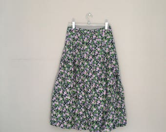 Vintage floral skirt / small floral skirt / vintage Betty Barkley skirt / petite vintage / purple florals / boho skirts / midi skirt