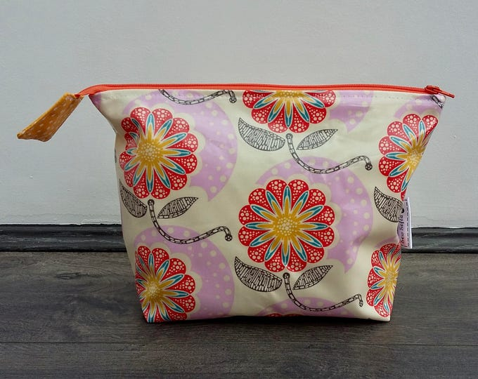 MADE TO ORDER Field Study Flowers Wipe Clean Wash Bag, water resistant zipped floral toiletry bag, waterproof botanical make up purse