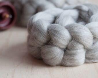 Grey Merino/Corriedale wool top / natural coloured undyed grey wool blend top / spinning weaving felting wool top