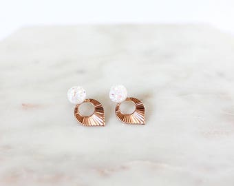 Earrings Ear drops gold thin pink and stone