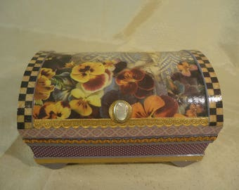 Pansy Treasure Chest - Jewelry Keepsake Box